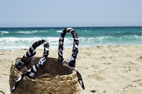 beach-2679511_1920.jpg