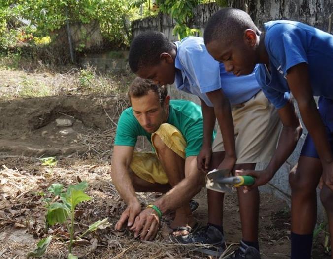 humana-voluntariado-voluntarios-internacional-desarrollo-cooperacion-agricultura